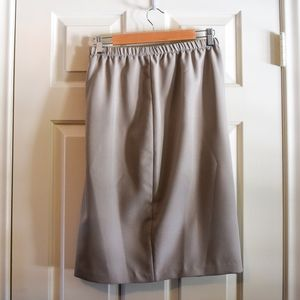 (SOLD) Vintage Plus Size Taupe Skirt